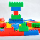 批发婴幼儿童幼儿园桌面益智玩具塑料拼装拼插乐高积木大小粒袋装