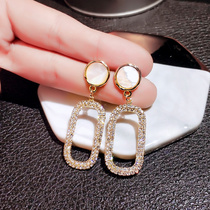 Net red earrings female sterling silver temperament Korean design earrings 2019 new tide small ear clip cool wind earrings