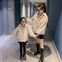 Parent-child dress Lamb fleece jacket 2019 New Year Three mother and daughter dress mother and son suit winter