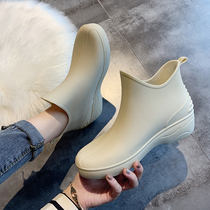 Japanese fashion rain Shoes Women Short Sleeve rain boots warm and fluffy water shoes low-top water boots non-slip car wash to buy food kitchen shoes