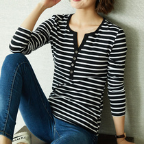 Striped bottoming shirt female spring and autumn 2019 new Korean slim wild V-neck long-sleeved T-shirt cotton shirt tide