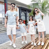 Parent-child loaded summer new family three four net red Yang Style mother and daughter strap dress family travel short-sleeved suit